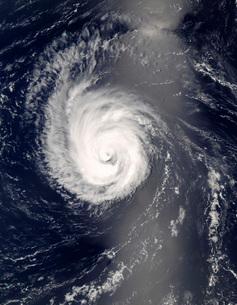 Hurricane Bertha in the mid-Atlantic Ocean.の写真素材 [FYI02860724]