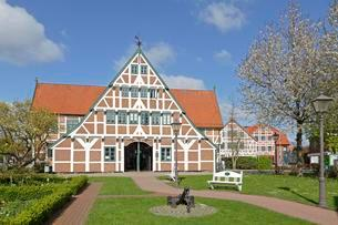 Town Hall, Jork, Altes Land region, Lower Saxony, Germanyの写真素材 [FYI02860788]