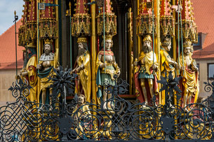 Gothic figures of Joshua, Judas Maccabaeus, King Davidの写真素材 [FYI02860826]