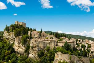 Old town, Vaison-la-Romaine, Vaucluse, Provence-Alpes-Coteの写真素材 [FYI02860854]