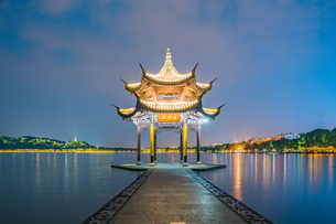 The mid-lake pavilion on the middle of the lake at the night. West Lake; Hangzhou; Chinaの写真素材 [FYI02861049]