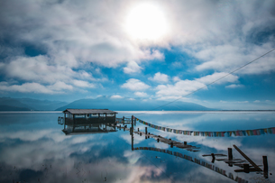 The reflection of cabin; cloud and sky in Napa Hai Nature Reserveの写真素材 [FYI02861058]