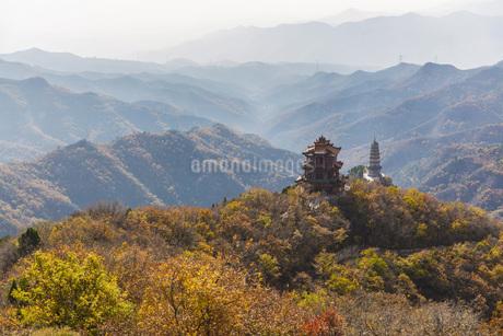 Autumn color of Xiantang Mountain,Chinaの写真素材 [FYI02861109]