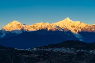 Overlooking of Meili Snow Mountainの写真素材 [FYI02861116]