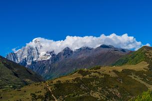 Overlooking of Meili Snow Mountainの写真素材 [FYI02861221]