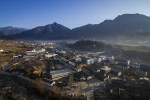 Huayang Ancient Town in the Depth of Qinling Mountains,Chinaの写真素材 [FYI02861231]