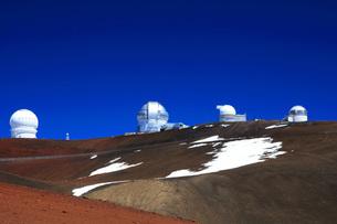 ハワイ島 マウナ・ケア山頂天文台群の写真素材 [FYI02861313]