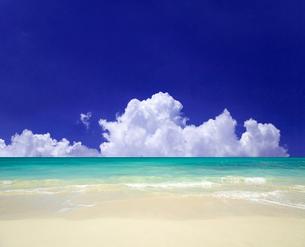 海と青空の写真素材 [FYI02861670]