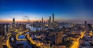 Starry sky Shanghai,Shanghai,Chinaの写真素材 [FYI02861753]