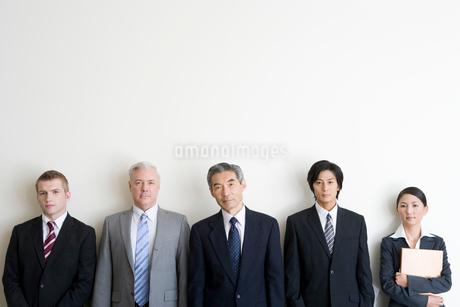 ビジネスマンとビジネスウーマンの写真素材 [FYI02862146]