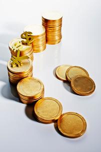 コインのお金イメージの写真素材 [FYI02865619]