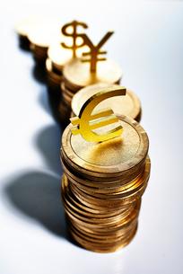 コインのお金イメージの写真素材 [FYI02865636]