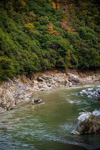 秋の桂川保津川下りの写真素材 [FYI02866946]
