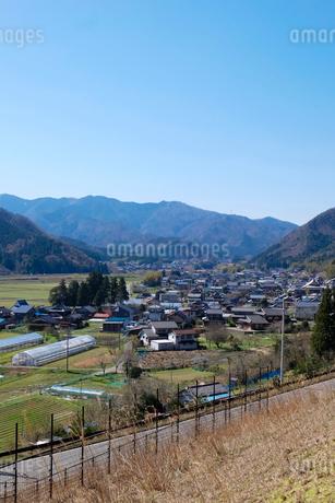 谷田部の家と田園の写真素材 [FYI02870263]