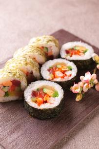 巻き寿司の写真素材 [FYI02871126]