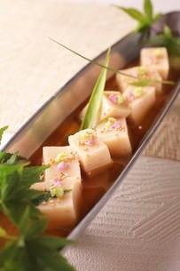 ごま豆腐の写真素材 [FYI02871357]