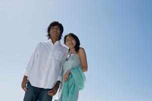 日本人カップルポートレートの写真素材 [FYI02875780]