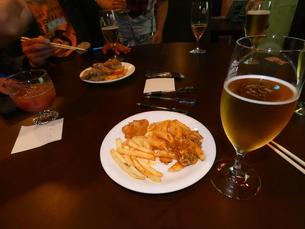 ビール・おつまみ【晩飯会】②の写真素材 [FYI02893772]