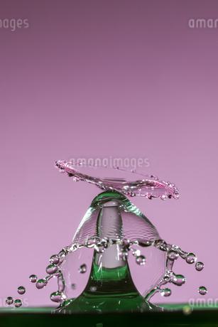 水滴のハイスピード撮影の写真素材 [FYI02893849]