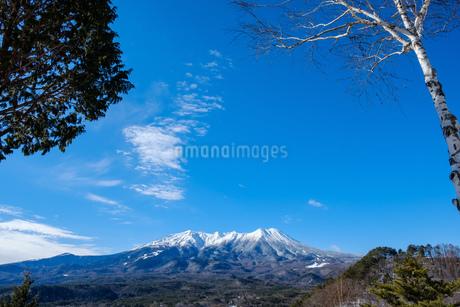 御岳山の冠雪 久藏峠からの眺めの写真素材 [FYI02910715]