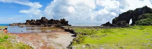 パワースポット「ミーフガー」パノラマ/久米島(沖縄県)の観光名所や絶景ポイントの写真素材 [FYI02910833]