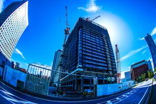 横浜みなとみらいの工事中のビルの写真素材 [FYI02917528]