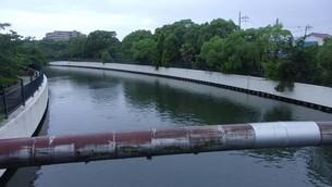尼崎の川の写真素材 [FYI02919962]