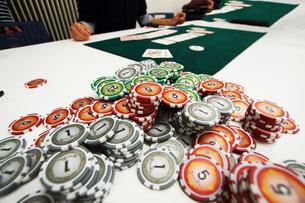 カジノのポーカーイメージ(テキサスホールデム)の写真素材 [FYI02922577]