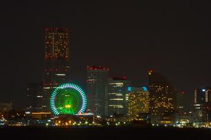 大黒ふ頭からみる横浜の夜景の写真素材 [FYI02922635]