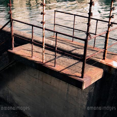 隅田川河口の古い護岸の写真素材 [FYI02923520]