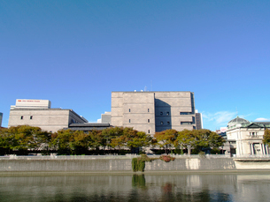 土佐堀川と日本銀行大阪支店の写真素材 [FYI02923690]