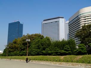 大阪城公園から見る大阪ビジネスパークの写真素材 [FYI02923693]