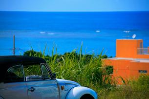 海と車の写真素材 [FYI02923746]