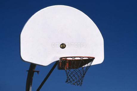 バスケットボールのゴールの写真素材 [FYI02925428]