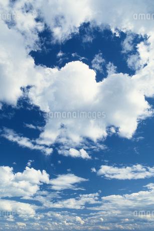 雲と青空の写真素材 [FYI02925499]