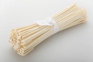 うどんの乾麺の写真素材 [FYI02927528]