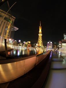 名古屋オアシス21の夜景と雑踏の灯りの写真素材 [FYI02927758]