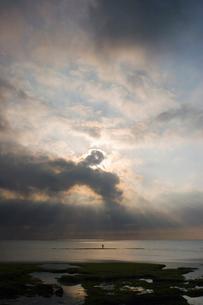 夕焼けの海の写真素材 [FYI02927786]