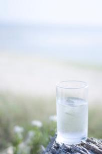 グラスの水の写真素材 [FYI02927964]