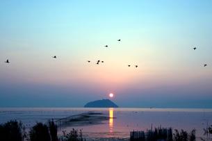 琵琶湖の夕日の写真素材 [FYI02928096]