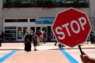 STOPの標識の写真素材 [FYI02928233]