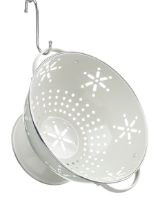 Empty colander hanging from hookの写真素材 [FYI02928648]