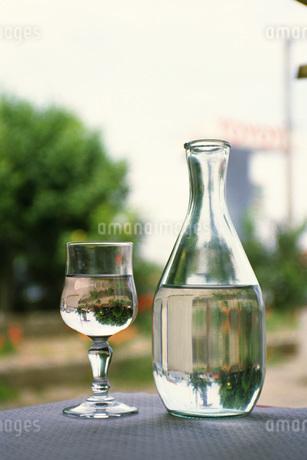 水と水差しの写真素材 [FYI02929062]