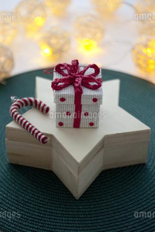 クリスマスイメージの写真素材 [FYI02931695]