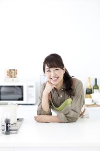 笑顔の女性の写真素材 [FYI02932182]