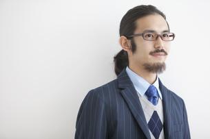 笑顔のビジネスマンの写真素材 [FYI02932866]