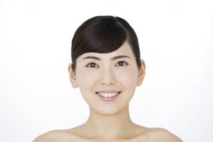 笑顔の女性の写真素材 [FYI02933028]