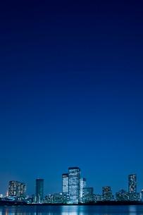 晴海運河の夕景の写真素材 [FYI02933636]
