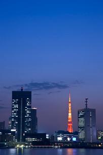 東京タワーの夜景の写真素材 [FYI02933637]