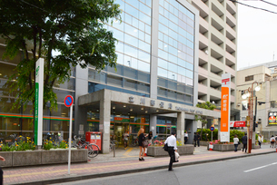 立川郵便局の写真素材 [FYI02934078]